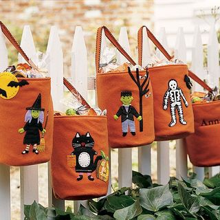 Felt%20Treat%20Bags-Pottery%20Barn%20Kids